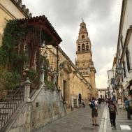 Ulu Camii ya da Mescit-Katedral yahut Mezquita-Cathedral
